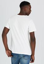 Wrangler - Get Out Tee Off White