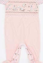 Just chillin - Bunny Border Grower Pale Pink
