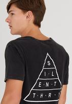 Silent Theory - Top Of The Tee Black