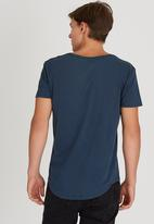 Silent Theory - Pigment Tail Tee Mid Blue