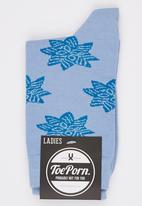 Toe Porn - Tyler Ornate Socks Dark Blue
