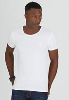 GUESS - S/S Crew Neck Collection Tee White