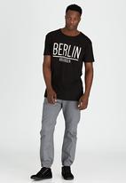 Brave Soul - Crew Neck Printed T-Shirt Black