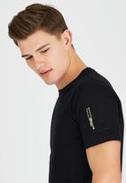 Brave Soul - Eclipse Crew Neck T-Shirt with Sleeve Pocket Black