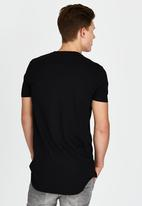 Brave Soul - Crew Neck Longer Length T-Shirt Black