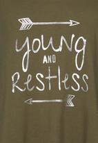 Rebel Republic - Foil Print Vest Mid Green