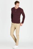 Superdry. - Heritage Long Sleeve Grandad T-Shirt Dark Red