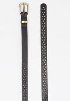 STYLE REPUBLIC - Laser-cut Skinny Belt Black