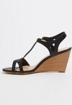 Gino Paoli - T-bar Wedges Black