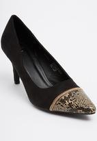 Bata - Contrast Toe Courts Black