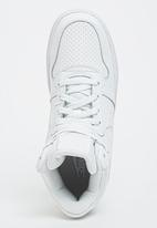 Nike - Nike Recreation High Top White