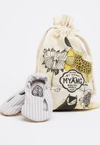 Myang - Striped Slip On With Button White