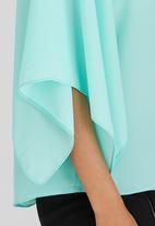 edit - Volume Split Sleeve Blouse Light Green