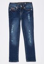 GUESS - Bedazzled Startlet Skinny Mid Blue