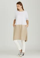 Slick - Milla Ombre Long Tunic with Open Back Stone