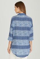 Slick - Lexi Baroque Printed Shirt Blue and White