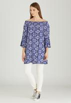 Slick - India Batik Printed Off-the-shoulder Tunic Blue and White