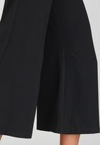 STYLE REPUBLIC - 3/4 Wide Leg Pant Black