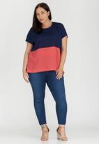 ME - Carmen Box T-shirt Navy