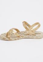 Ipanema - Strappy Sandal Gold