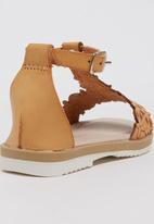 Rock & Co. - Strappy Sandal Tan