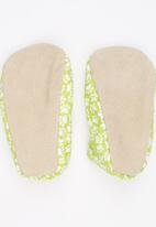 Myang - Printed Slip On Light Green