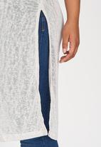 edit Plus - Longer Length Hi Slit T-Shirt Grey Melange