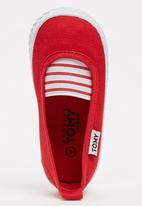 TOMY - Tomy Infant Pump Red