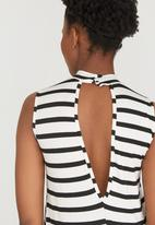 c(inch) - Open Back Top Black and White