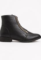 Boohoo - Maria Chain Detail Hiker Boot Black