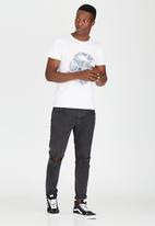 St Goliath - Echo T-Shirt White