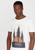 Wrangler - Dusk to Dawn T-Shirt Off White