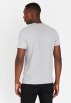 Levi's® - Graphic set in neck tee - grey