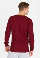 DC - Severance T-Shirt Dark Red