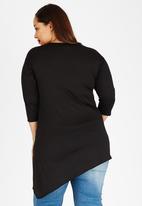 edit Plus - Angled Hem T-Shirt Black