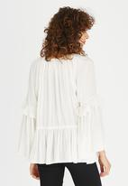 STYLE REPUBLIC - Boho Volume Blouse Cream