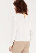 Vero Moda - Teresa Frill Top Off White