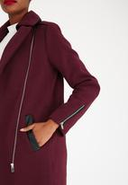 STYLE REPUBLIC - Coat with Contrast Trim Red