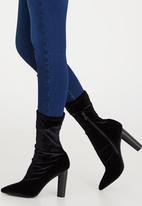 Jada - Mila Boots Black