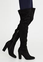 Footwork - Orchid Black