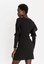 c(inch) - Sleeve Detail Dress Black