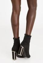 Zoom - Carmen Block Heeled Ankle Boots Black