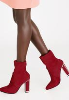 Zoom - Carmen Block Heeled Ankle Boots Red