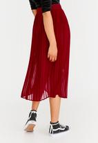 STYLE REPUBLIC - Pleated Midi Skirt Red