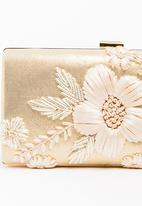 BLACKCHERRY - Bold Flower Clutch Bag Gold