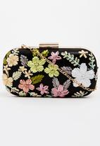 BLACKCHERRY - Flower Clutch Bag Black