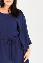 STYLE REPUBLIC PLUS - Batwing Dress Navy