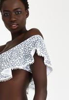 KANGOL - Off-the-shoulder Flounce Bikini Top Blue and White