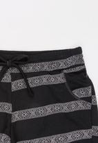 Rebel Republic - Fleece Shorts Black