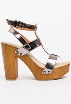 Urban Zone - Metallic Heels Silver
